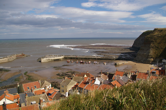 View across Staithes from the clifftop/from a photo by Arnold Underwood/Sept 2007